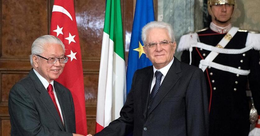 Il Presidente della Repubblica Sergio Mattarella riceve il Presidente della Repubblica di Singapore TonyTan (Ansa)